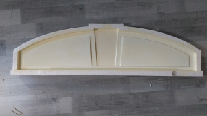 Longueur 106 cm; Flèche 25 cm; Largeur 2 cm